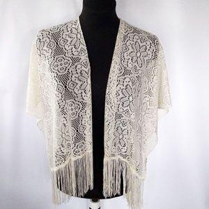 EUC VNTG lace/fringe shaw/ scarf